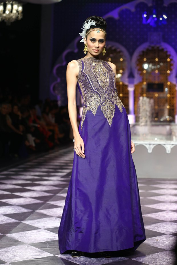 India Bridal Fashion Week Delhi 2013 - Model sporting Raghavendra Rathore's collection (2)