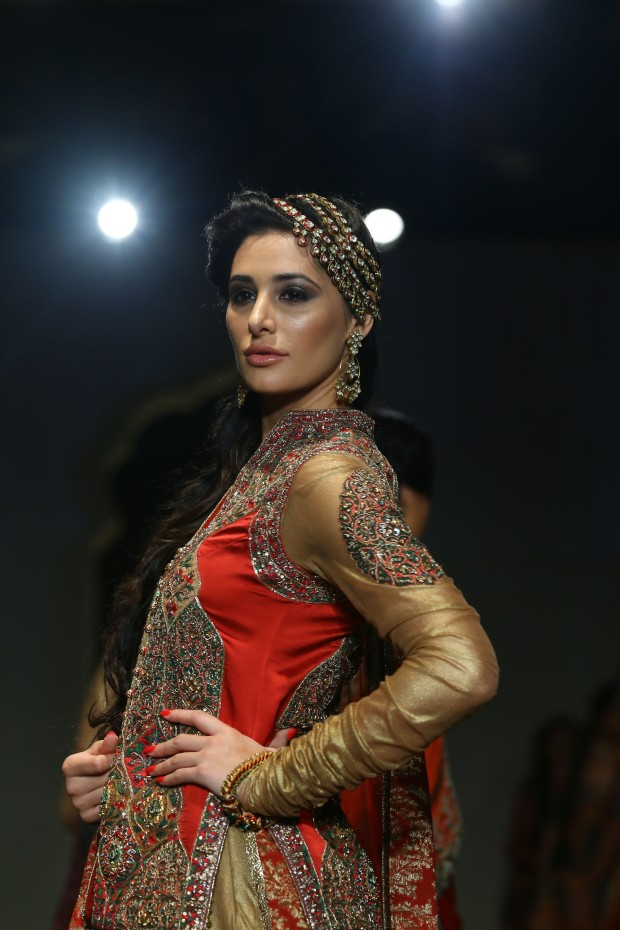 India Bridal Fashion Week Delhi 2013 - Nargis Fakhri as the showstopper of Ashima Leena's Collection_1