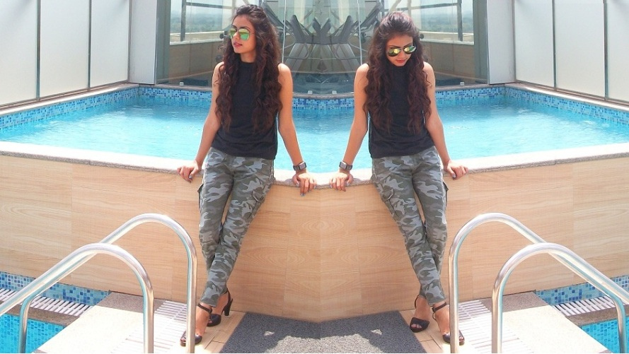 kintyish.com_indian_fashion_blog_camouflage_trouser_black_top_mirror_glasses_curls_coll