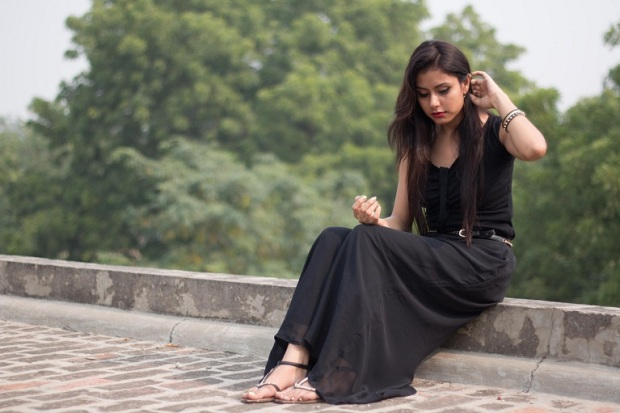 kintyish.com_indian_fashion_blog_all_black_outfit_surreal_8