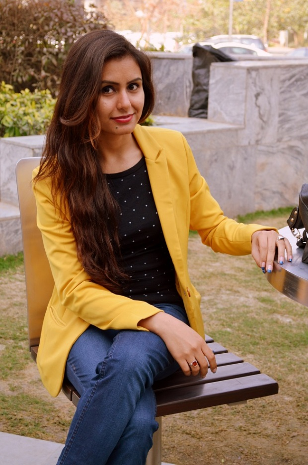 kintyish.com_indian_fashion_blog_himanshi_mukhija_mustard_blazer_2