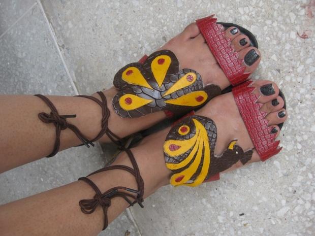 kintyish.com_indianfashionblog_hidesign_artofreuse_contest_footwear3