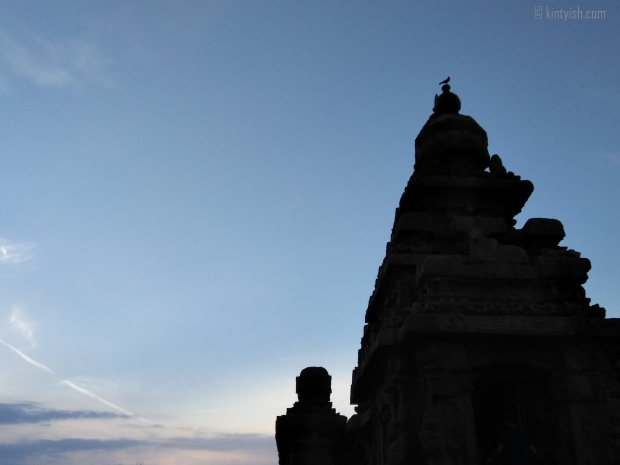 Chennai Mahabalipuram Travel Blog _ Kintyish.com_top best Indian fashion lifestyle travel blog blogger Himanshi Mukhija_11 Mahabalipuram Shore Temple Sunrise and Birds Silhoutte
